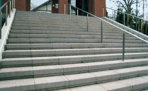 グレー(階段)