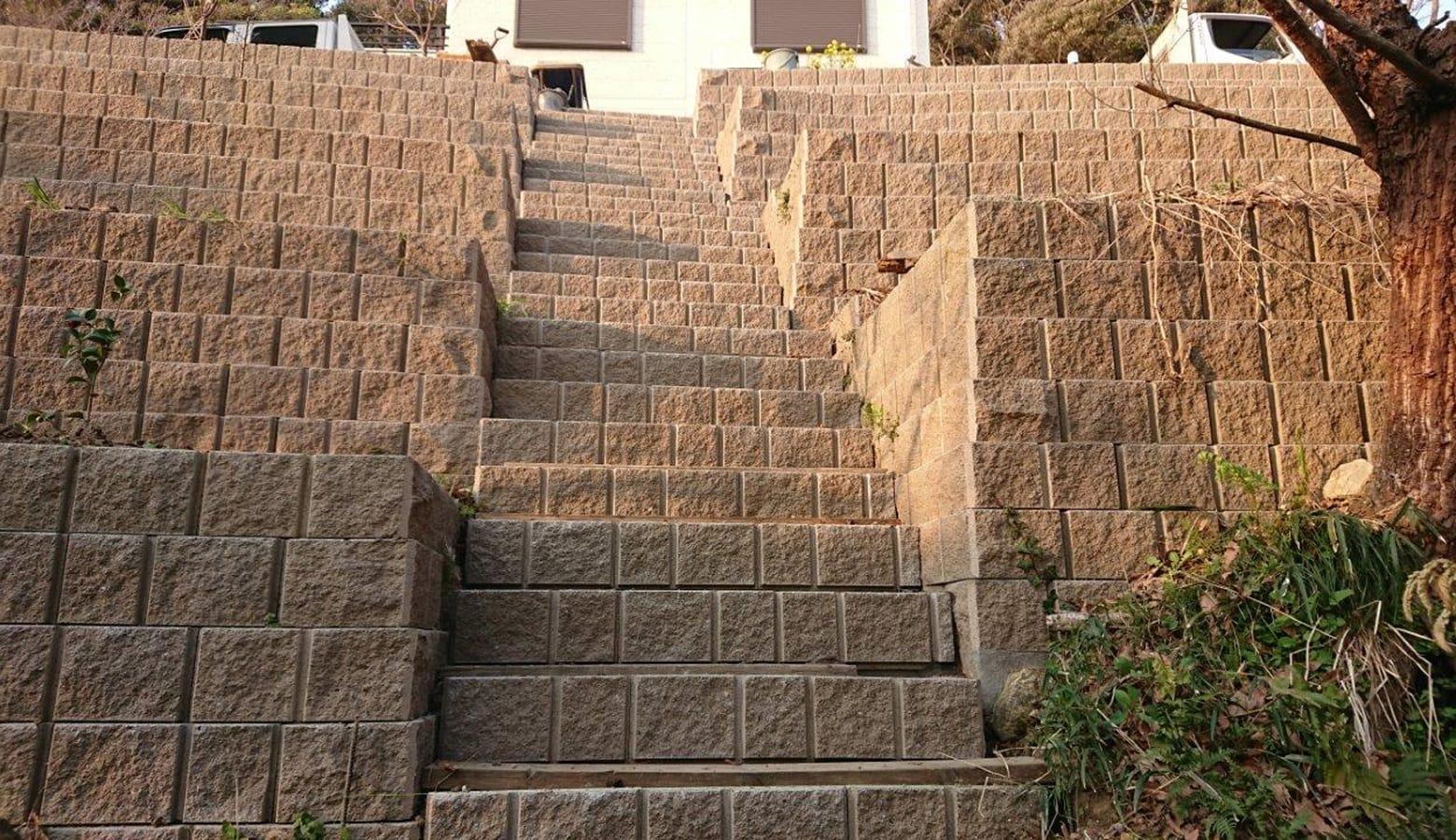 ブロック石垣の階段_ABリテイン
