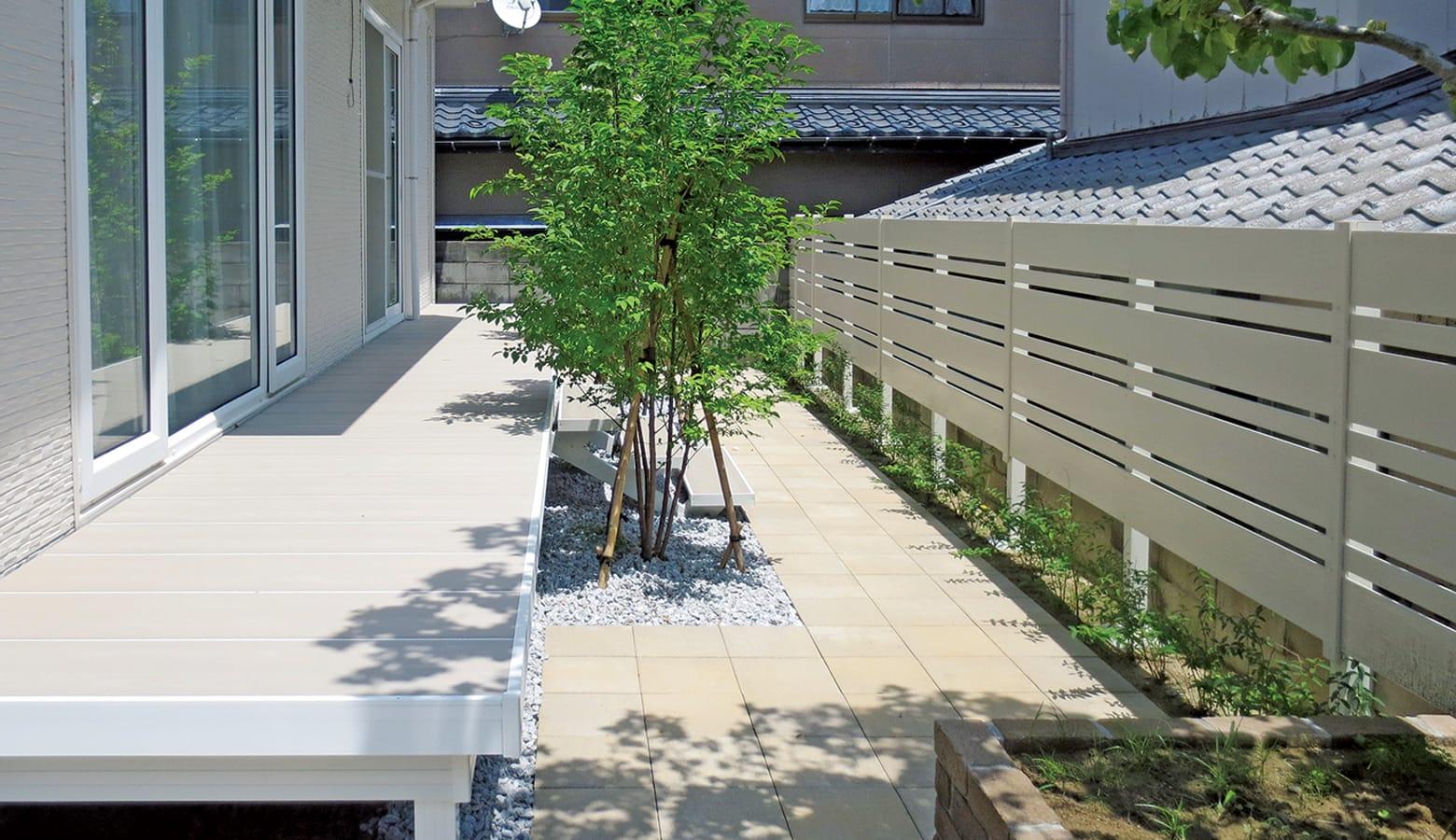 白を基調としたお庭にリニューアル